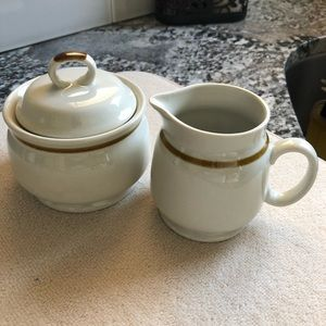 Mountain wood collection creamer and sugar bowl 🆕